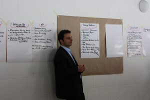 traditional-consultant-using-flipcharts